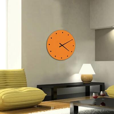 horloge murale design orange