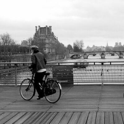 cuadros modernos fotografía bicicleta por el Sena