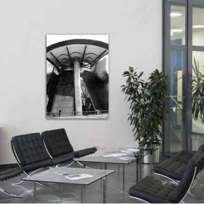 Quadre fotografia urbana ciutat sota la porta, Guggenheim