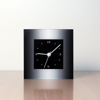 rellotge modern de sobretaula disseny MTLN