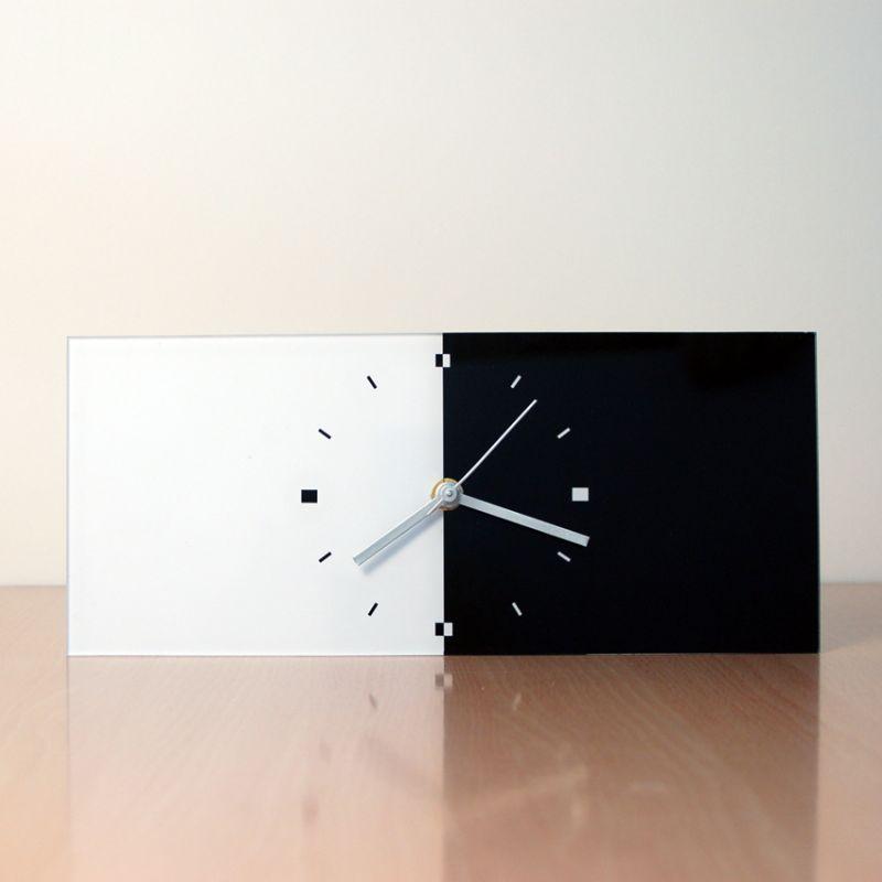 reloj decorativo de sobremesa diseño BRN frontal