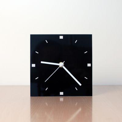 relojes modernos de sobremesa negro diseño FQBN frontal