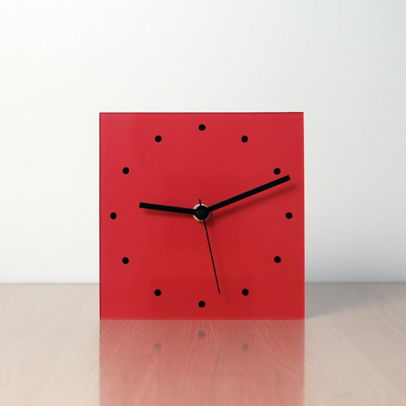 rellotge modern de sobretaula de disseny ROJO