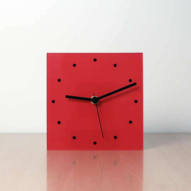 modern table clocks design ROJO