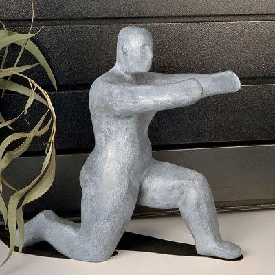 Sculpture moderne design embrasser