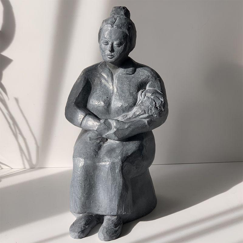 modern sculpture design yearning