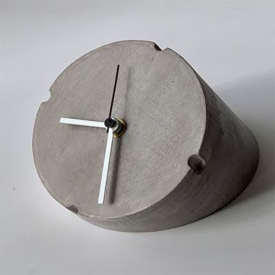 modern table clock to the living room- Conic